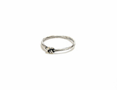 cute knot ring in antiqued sterling silver MrKate.com bester Fashion-Online-Shop aus den USA