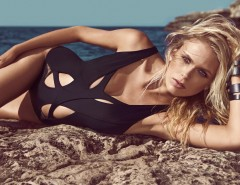 Cutout Lace Detailed Black One-Piece Swimsuit - Robyn Carnet de Mode bester Fashion-Online-Shop