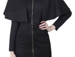 Long Black Cape in relief Carnet de Mode bester Fashion-Online-Shop