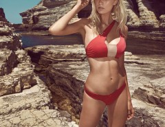 One-Shouldered Red Bandeau Bikini - June Carnet de Mode bester Fashion-Online-Shop