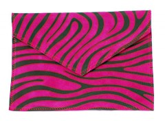 Zebra printed suede envelope Carnet de Mode bester Fashion-Online-Shop